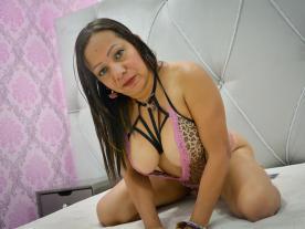 julie-casanova avatar